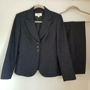 Le Suit Pantsuit Black & Blue Horizontal Pattern